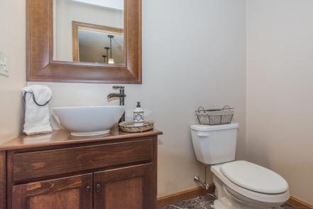11 Bathroom 2-1
