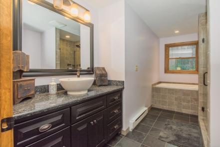 14 Master Bathroom-2