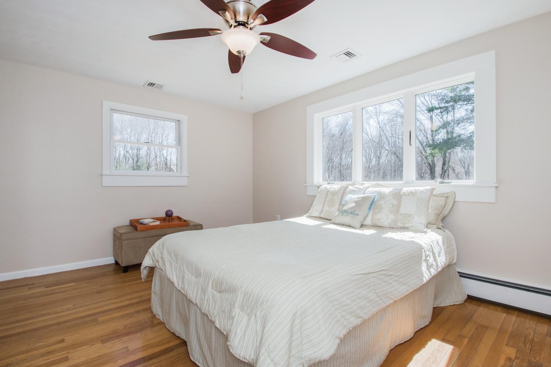 06 Master Bedroom-2.jpg
